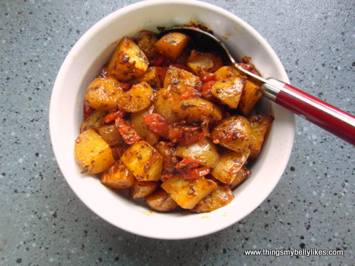 patatas bravas, not to be confused with patatas alioli which is a whole different kettle of fish...or potatoes