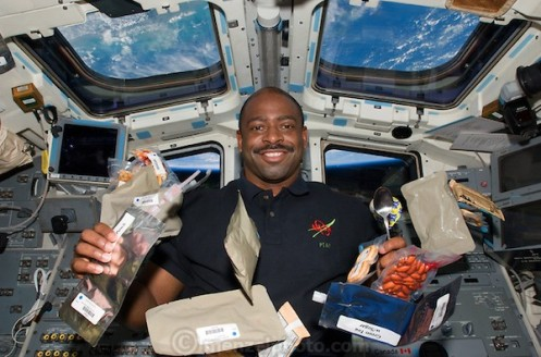 apparently NASA astronauts get 2,700 calories a day